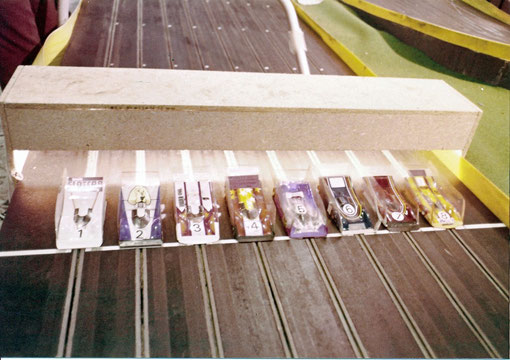 Slot cars au départ de la finale des worlds 1978 de Göteborg ( photo Gil Michel )