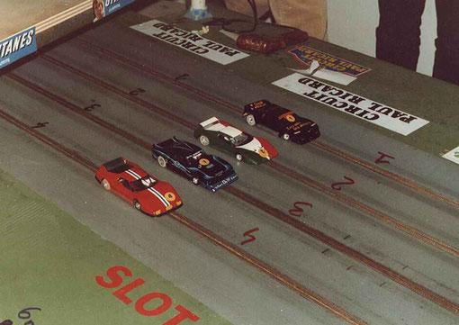 Finale Production avec la Ferrari de Samy Béraha, la Ford Capri de Serge Vuillemin, la Ferrari de Gérard Caupène et la Lancia de Didier Dupuis le vainqueur