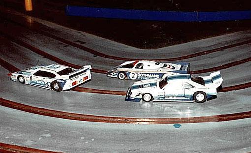 Les trois plus belles du concours d'élégance : Ford Capri n° 52 de Pierre Engels, Porsche 956 n° 2 de Fred Warnant, Ford Mustang n° 16 de Pascal Guélin.