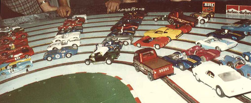 Le parking du vintage slot racing de Bordeaux