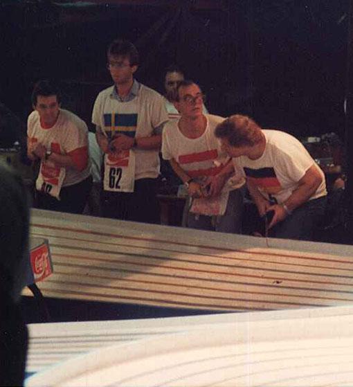 Le canadien Ray Nunes, le suèdois Per Person ( n° 62 ) ,  l'autrichien  Alf Zoder et l'allemand Ralph Klose lors d'une série en slot racing 1/24 free class à Toulouse 1987