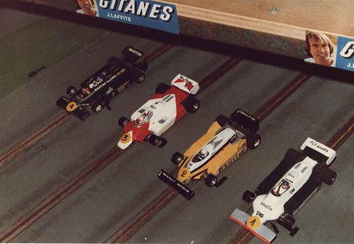 Série 5 Formule 1 : Lotus 80 Philippe Point, McLaren Gérard Caupène, Renault Jean-Marie Donzel, Williams Samy Béraha.