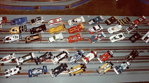 Une partie du plateau des slot cars du championnat de France 1983 à l'Isle sur Sorgue.