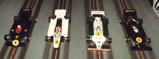 Formule 1 dérie 4 : Lotus JPS Jean-Noël Pascal, Toleman Christophe Peix, Williams Samy Béraha, Wolf Laurent Cardin