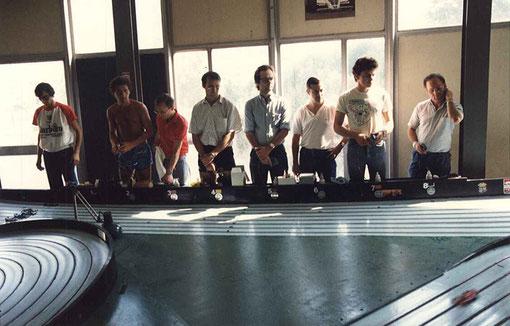 Finale Formule 1 - Bordeaux 1986. Les pilotes : JEAN-CLAUDE MALHERBE.  GÉRARD CAUPÈNE. SERGE VUILLEMIN. FRÉDÉRIC CARDIN. DIDIER RITTER. JEAN-NOËL PASCAL. WILLIAM INGHELBRECHT. SAMY BÉRAHA.