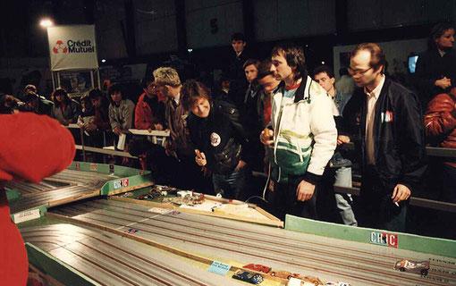 Didier Ritter à droite à côté de Jean-Louis Tournadre supervise les invités.