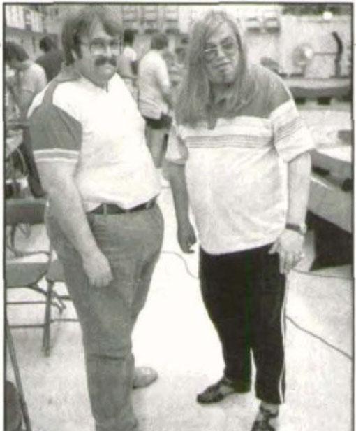 Andrew Smith ( gauche ) Jean-Pierre Van Rossem ( droite )