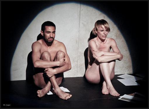 """Véronique PICCIOTTO et Helmi DRIDI dans """"à nu"""" Mise en scène et Adaptation MARC SAEZ"""