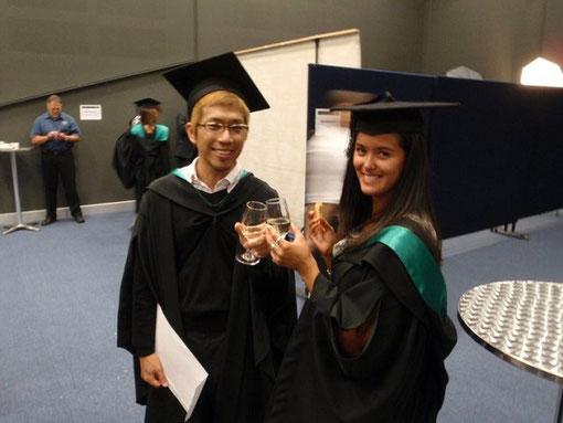 海外の大学の卒業パーティー
