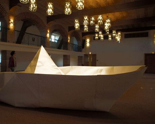 il était un petit navire, 750 x 350 cm, Papierfaltbootweltrekord, 2011