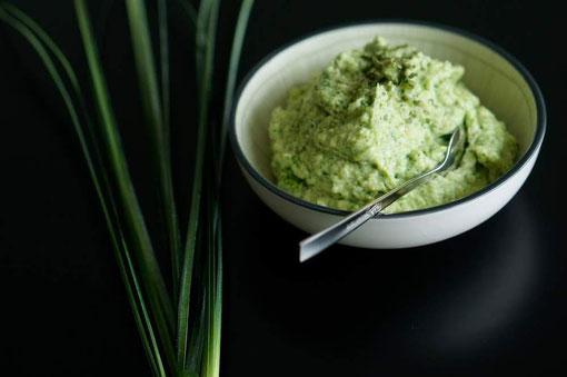 Grünkohl-Walnuss Pesto I vegetarisch, clean & schnell zubereitet