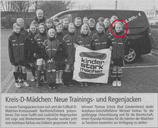 Tessa Stahnke vom SV Amelsen (roter Kreis) spielt in der D-Mädchen Kreisauswahl NOM/EIN