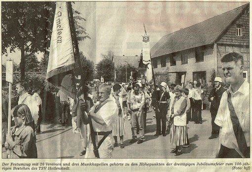 Quelle: HNA Northeimer Zeitung vom 18.06.2001 SV Amelsen beim Festumzug in Hollenstedt
