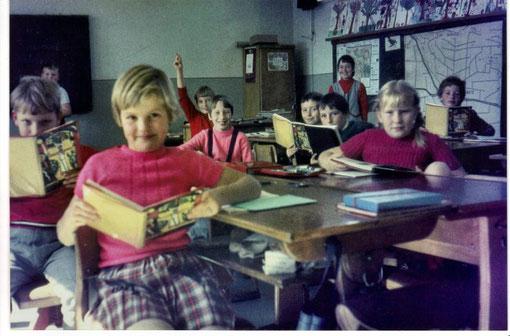 Das waren noch Zeiten - Grundschule Amelsen mit Klassen 1-4 in einem Klassenraum
