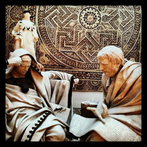 Nerón escucha pensativo las enseñanzas de Séneca