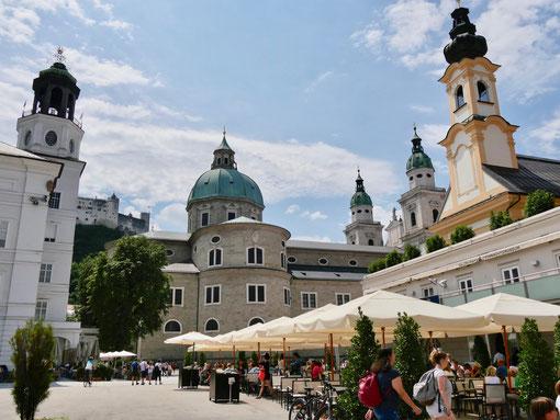 Salzburg Domplatz , Dom , St. Michael Kirche