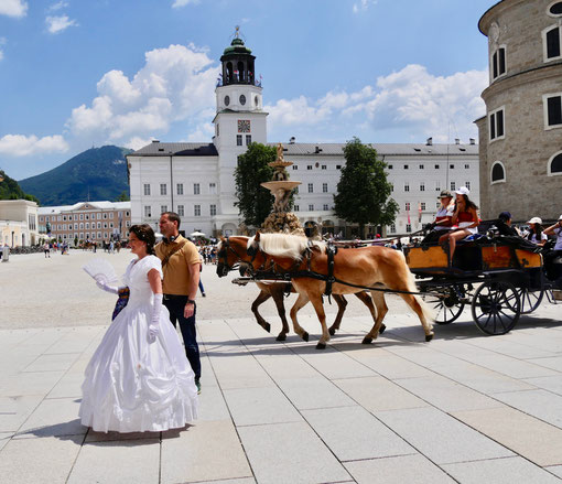 Salzburg Impressionen Sissi Residenzplatz ,fiaker