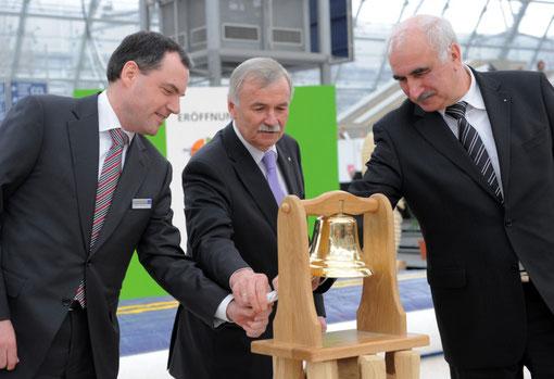 v.l. GF LE Messe Martin Buhl-Wagner, Minister  Jürgen Seidel, Präsident der HWK Chemnitz Dietmar Mothes