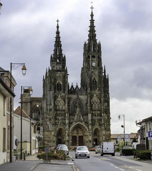 Bild: Basilika Notre Dame de L`Épine in L`Épine