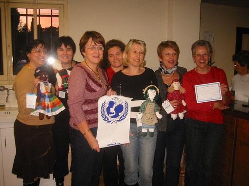 cliquez sur l'image ci-dessus pour vous rendre sur les photos de nos réalisation des frimousses de l'UNICEF