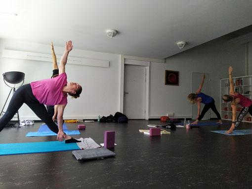 Meditation in Motion - Meditation in Bewegung. Meditation in Motion. Einfache geführte Meditation für Anfänger, Meditationstipps, Entspannung, Achtsamkeit, Meditation Online-Kurs, Meditationskurs in Zürich Oerlikon. Meditationsausbildung und Meditationsle