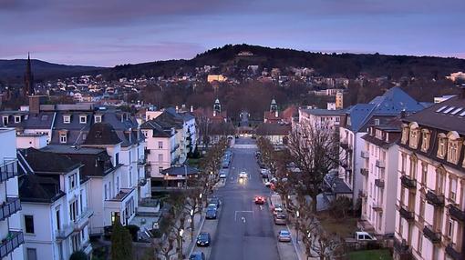 Webcam auf dem Bad Nauheimer Bahnhof seit 10.12.2013:  Frohe Weihnachten und ein gutes neues Jahr!