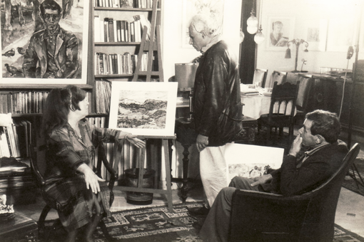 The director Hassen Bouabdellah, Bettina Heinen-Ayech and Abdelhamid Ayech in the artist's Algerian studio during the 1992 filming of the documentation for the Algerian pavilion in Seville