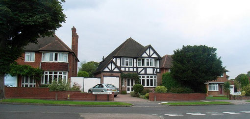 Typical Hollybank houses on Chesterwood Road