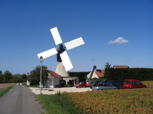Moulin à vent cavier Saint-Jacques à Nouan sur Loire