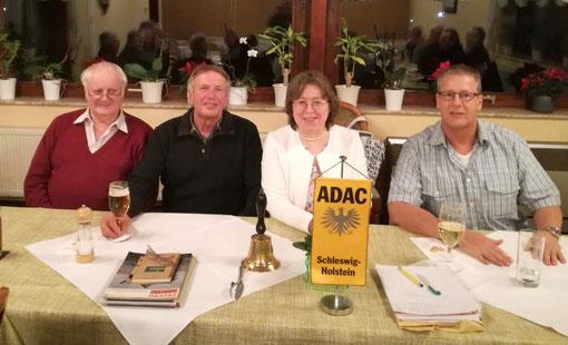 Der ADAC Vorstand: v.li. Wolfgang Martens, Willi Albert, Maren Thießen und Uwe Stölting.