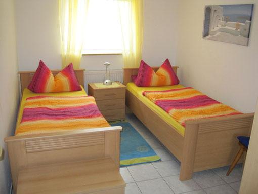 Zweibettzimmer 1 in unserer Ferienwohnung Erlangen
