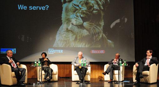 Für die Aargauer Lions nach Baden gereist: (von links nach rechts:) Dr. Rudolf Rechsteiner,  Pascale Bruderer Wyss, Hans Fahrländer, Gerhard Schwarz, und Roger Köppel