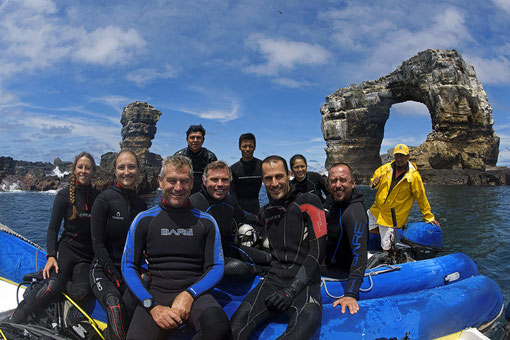 Galapagos Shark Diving - Team of Galapagos Whale Shark Project