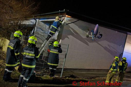 Feuerwehr, Blaulicht, FF Kottingbrunn, Brand, Wohnhaus