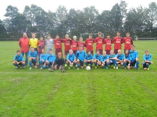 stehend SC Paderborn, vorne SG Weiberg / Harth / Hegensdorf