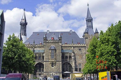 Aachener Rathaus, vom Katschhof aus gesehen