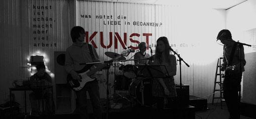 """""""unsere"""" Oberstufenband bei der Ausstellungseröffnung 2010"""