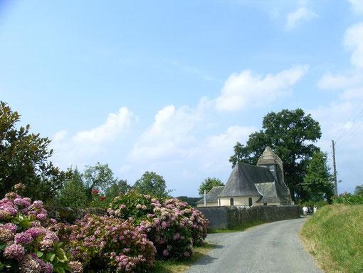 Chapelle sur la route des crêtes dans les hauts d'Estialescq