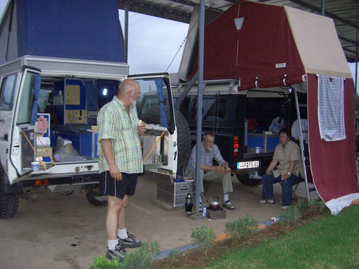 Unser Übernachtungsplatz auf einer Tankstelle