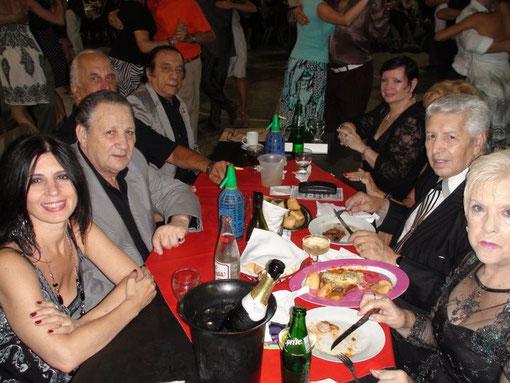 Eduardo y Gloria Arquimbau, Sergio Delarosa y señora, Nito y Elva, Jorge Manganelli y Maria Campos