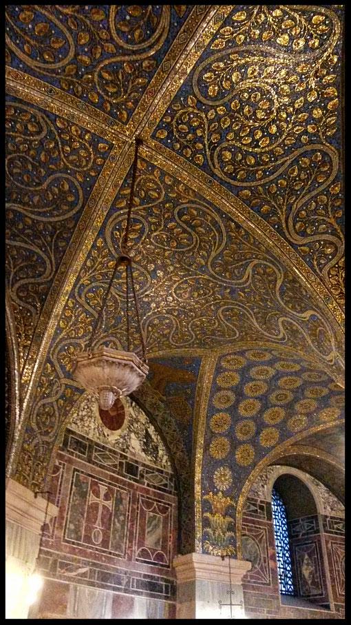 Fantastische Mosaike im Dom