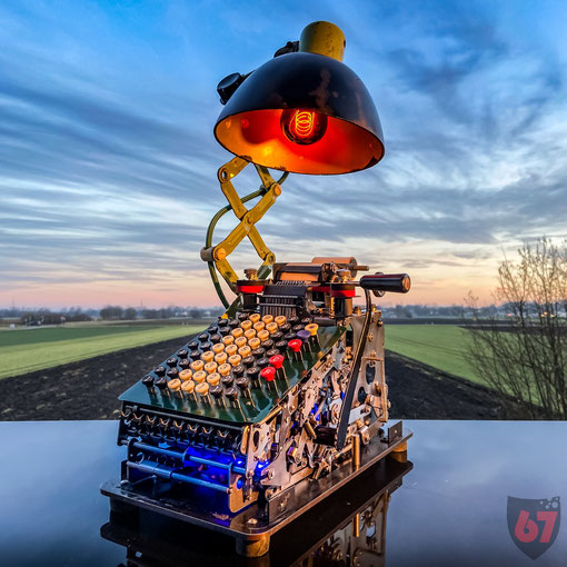 Upcycling light object with a Continental 8 mechanical desk calculator - JayKay67Design by Jürgen Klöck