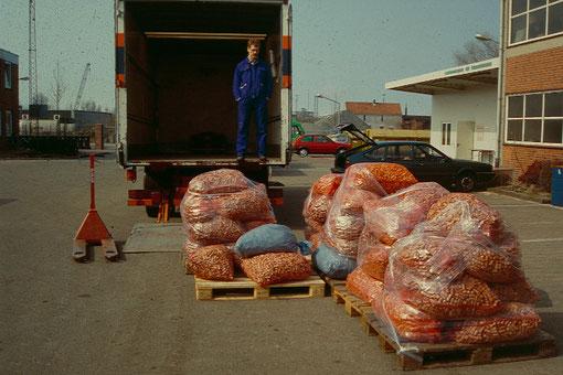 Abtransport der Korken vom Zwischenlager auf dem Bauhof der Stadt Cuxhaven
