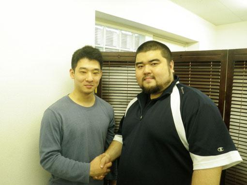勝谷選手と握手