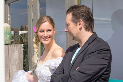 - Aankomst trouwlocatie - Plechtigheid, en de aanwezigen - Familie en groepsfoto's  - Fotoshoot op een locatie naar keuze  - Receptie en aansnijden taart  - Diner en eerste dans  - Korte impressie van het feest
