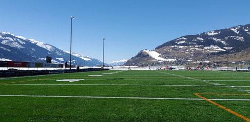 American Football Field für Trainingslager in den Bergen