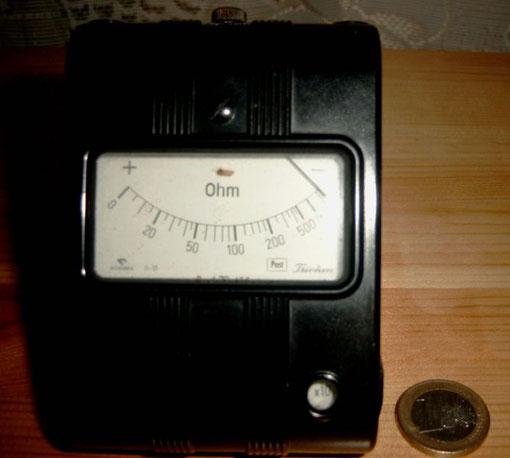 Hiermit wurde in den 70er die Telefonleitung gemessen (600 Ohm)