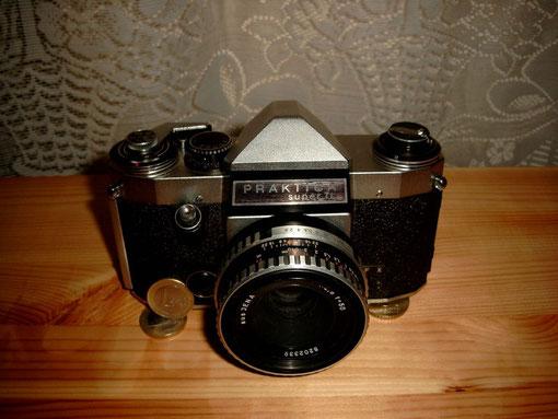 Wechelobjektivanschluss M42x1 aus Jena Standard-Objektiv war das Objektiv Meyer Görlitz Domiplan 2,8/50mm.