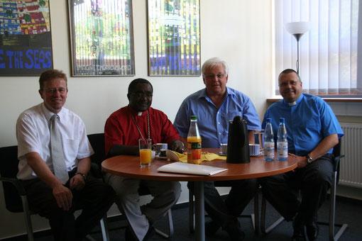 Bürgermeister Horsel, Bischof Dr. Bagonza,  Pfarrer Kopania
