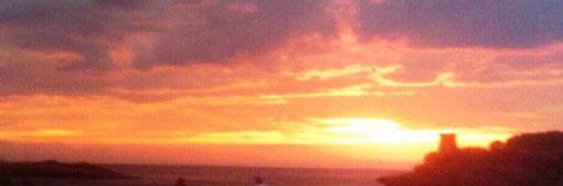 Rosso di sera ...  bel tempo si spera.            Tramonto sul mare a Marina  di  Camerota  (SA)